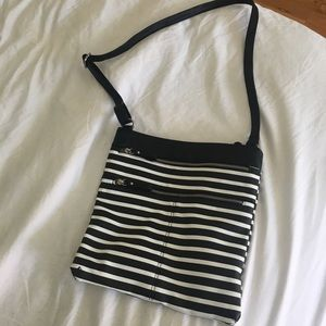 🌸 Black Striped Crossbody 🌸
